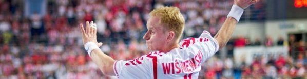 Trener reprezentacji Polski seniorów ogłosił skład szerokiej kadry na szereg zgrupowań przygotowawczych do mistrzostw świata, które w styczniu odbędą się w Hiszpanii. Uznanie w oczach Michaela Bieglera znalazło pięciu […]